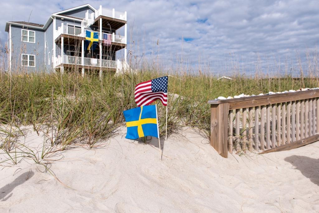 Sweden to USA to Sweden destination wedding Emerald Isle
